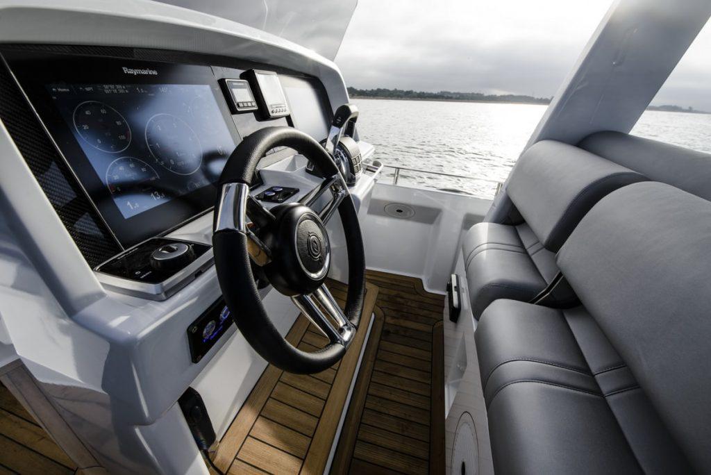 Compass Tenders 8m drib controls