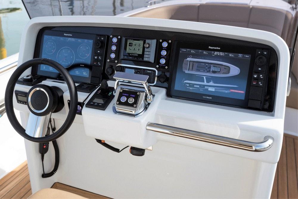 Compass Tenders motoryacht helm controls