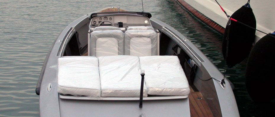 Compass Tenders limo tender Coral Island
