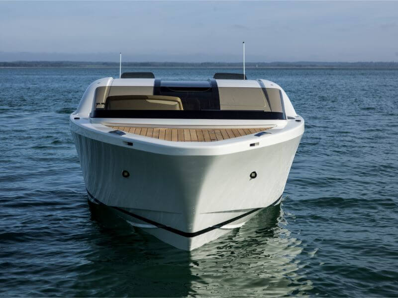 Compass Tenders alt front head on